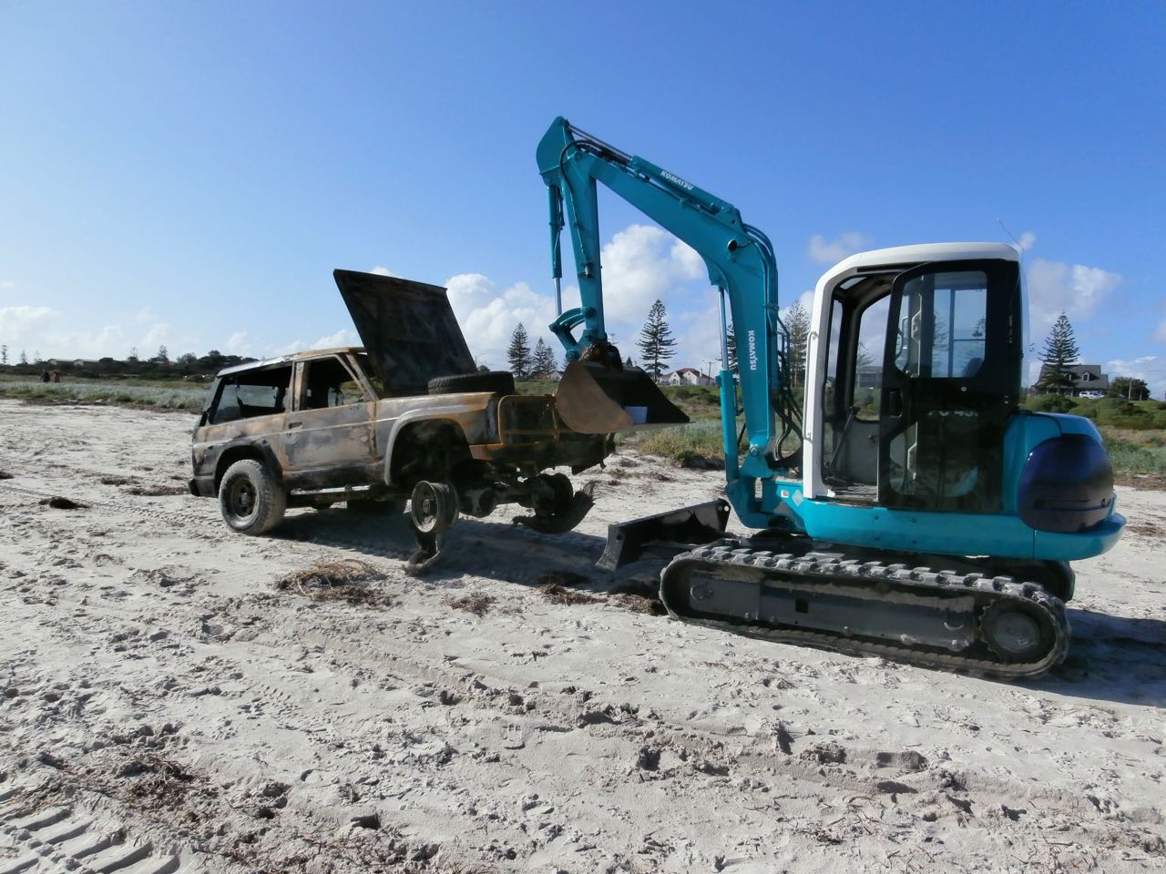 5 TON RUBER TRACKED RECOVERY EXCAVATOR